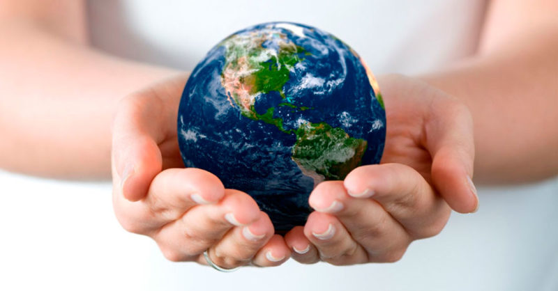 world-in-hands1